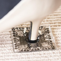 Üzletfejlesztés nanotechnológiával - Jönnek a hajlítható, kimosható áramkörök hordható eszközökhöz
