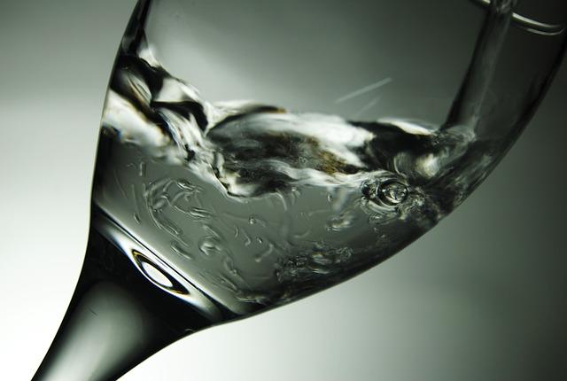 water-290206_640.jpg