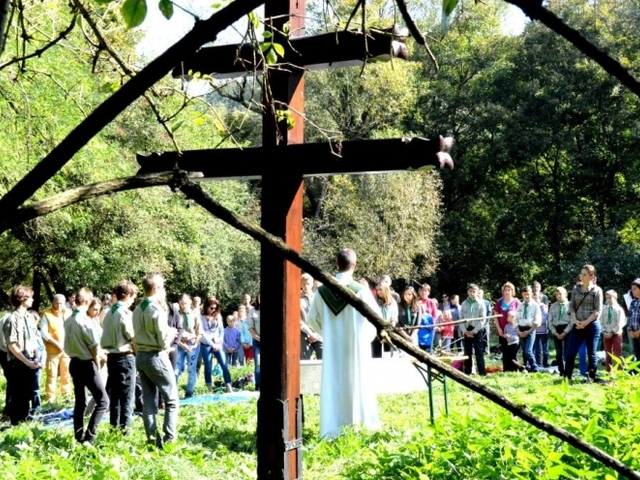Évnyitót tartottak a váci piarista cserkészek