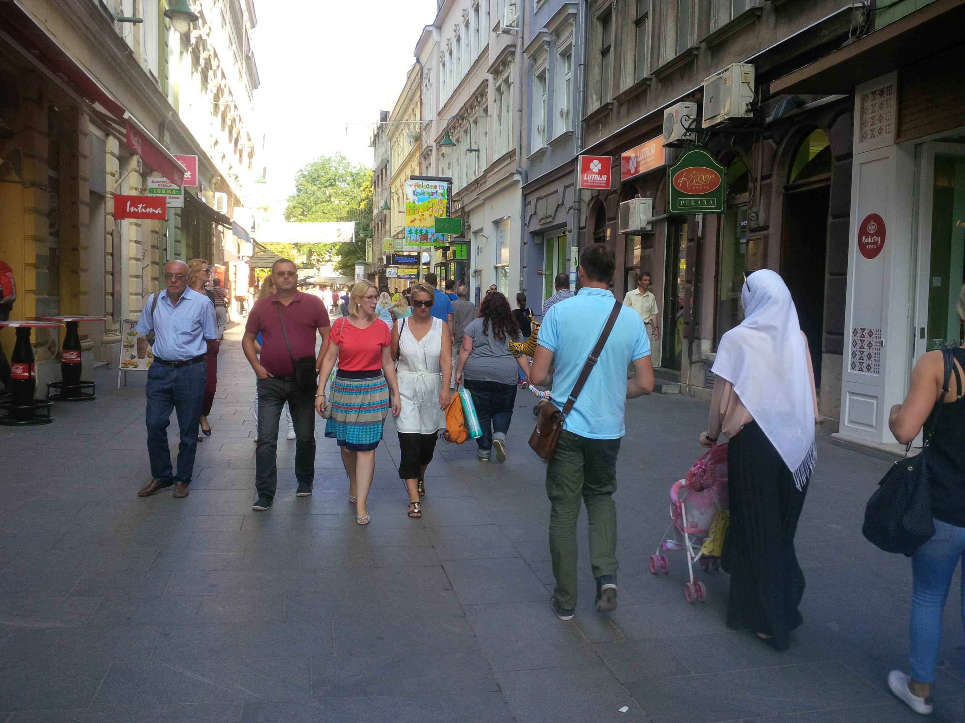 Az óvárosba vezető sétálóutca