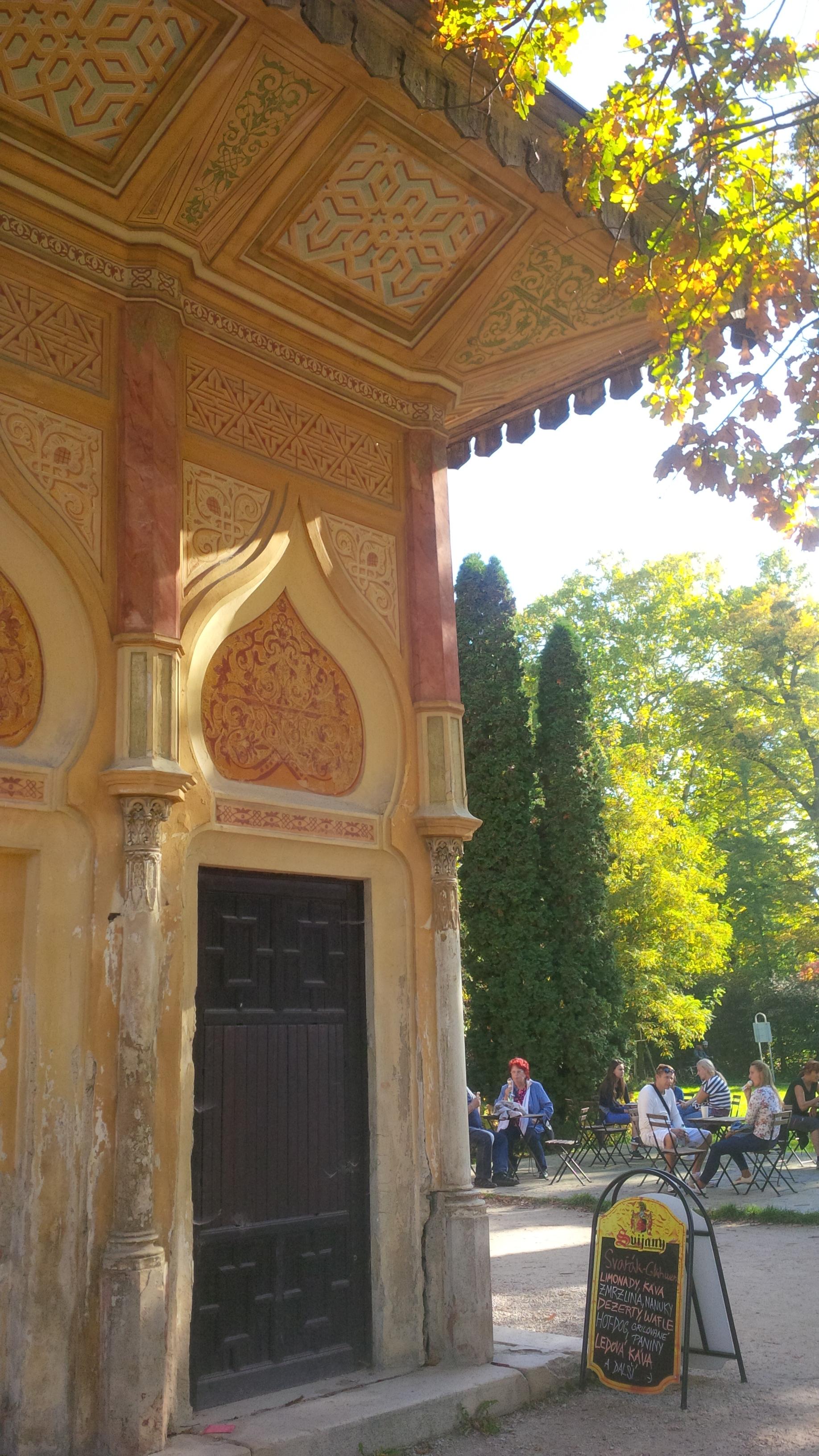 török stílusú épület