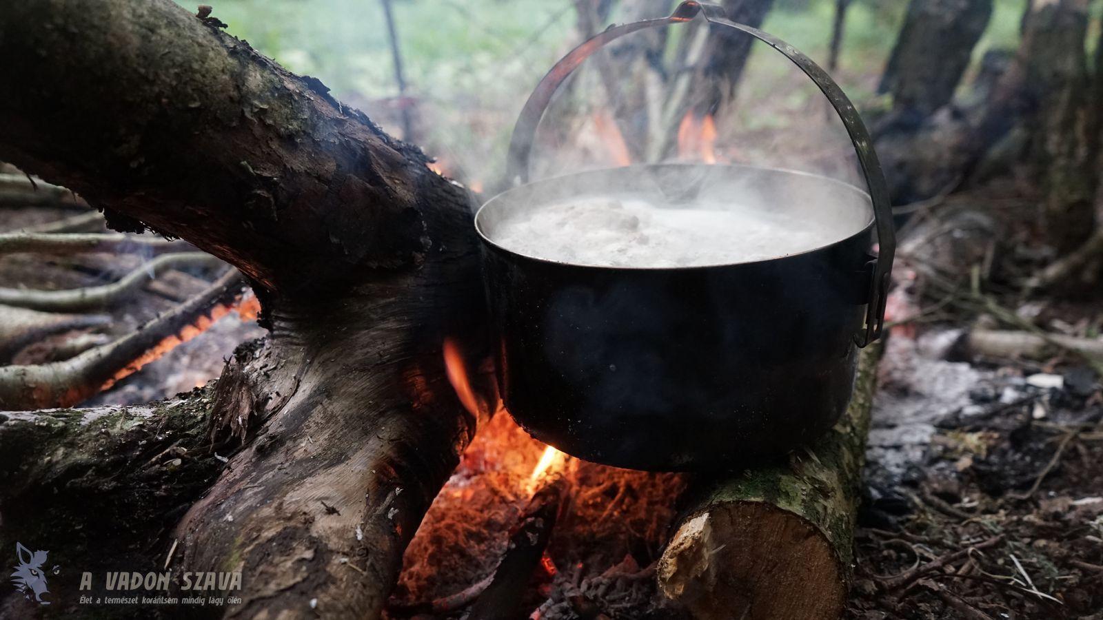 Húsfőzés a Tatonka Kettle fazék részében
