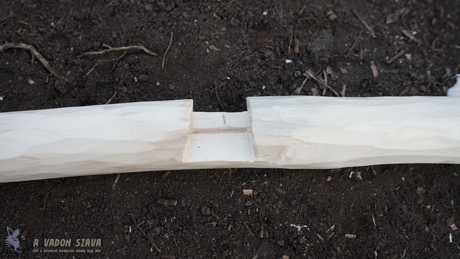 A szabályosan kialakított trapéz alakú bevágás.