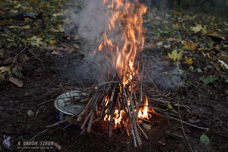 Felcsapnak a lángok...