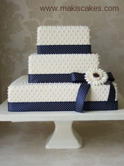 Square Dot Cake with Sugar Gerbera (Main) [640].jpg
