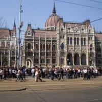 Mérsékelt demokrata vélemény - Öt karizmatikus elvárás a magyar kormánypártoktól