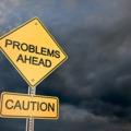 potenciális pénzügyi, üzleti problémákra figyelmeztető korai jelek