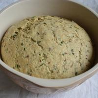 Egy medvehagymás kelt tészta 3+1 változatban