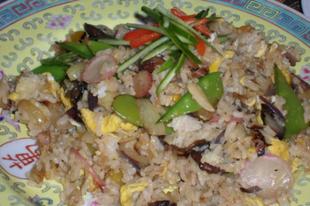 Tojásos zöldséges sült rizs