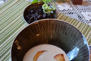 Gesztenyés zellerkrémleves vajban sült birs szeletekkel
