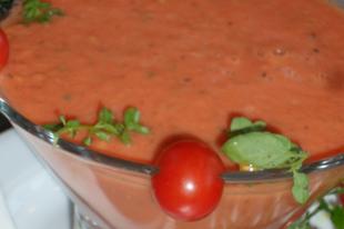 Nyers paradicsomlé és leves - avagy a gazpacho