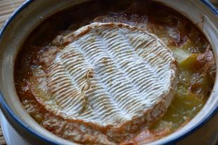 Rakott gombás burgonya camembert sajttal