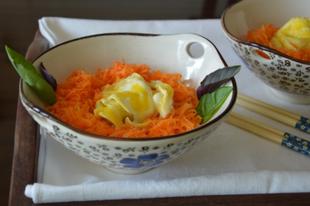 Fürjtojásos sárgarépa saláta