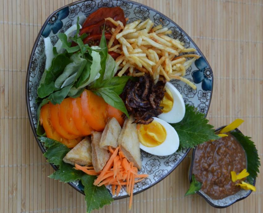 thaisalata01.jpg