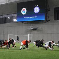 Vasas-ünnep, kupa-továbbjutás, újpesti győzelem, jó hangulat az MTK-stadionban