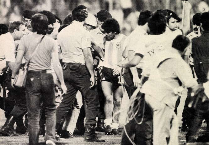 idokapszula_1982_spanyolorszagi_labdarugo_vilagbajnoksag_argentina_magyarorszag_maradona.jpg