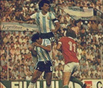 idokapszula_1982_spanyolorszagi_labdarugo_vilagbajnoksag_argentina_magyarorszag_passarella_galvan_poloskei.jpg