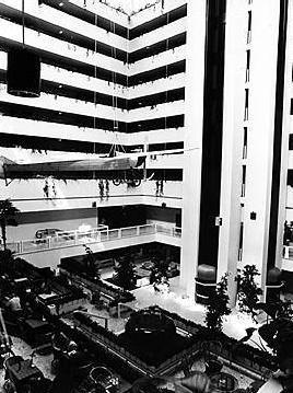 idokapszula_1982_spanyolorszagi_labdarugo_vilagbajnoksag_belgium_magyarorszag_atrium_hyatt_2.jpg