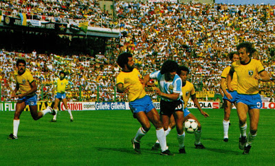 idokapszula_1982_spanyolorszagi_labdarugo_vilagbajnoksag_kozepdontok_brazilia_argentina_maradona_junior_luizinho_oscar.jpg