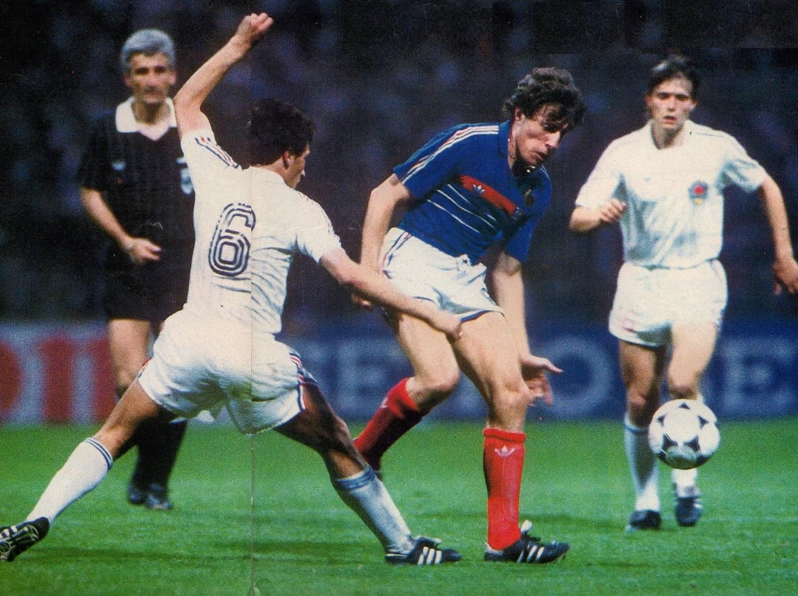 idokapszula_1984_franciaorszagi_labdarugo_europa-bajnoksag_csoportkorok_franciaorszag_jugoszlavia_luis_fernandez_radanovics_dragan_sztojkovics.jpg