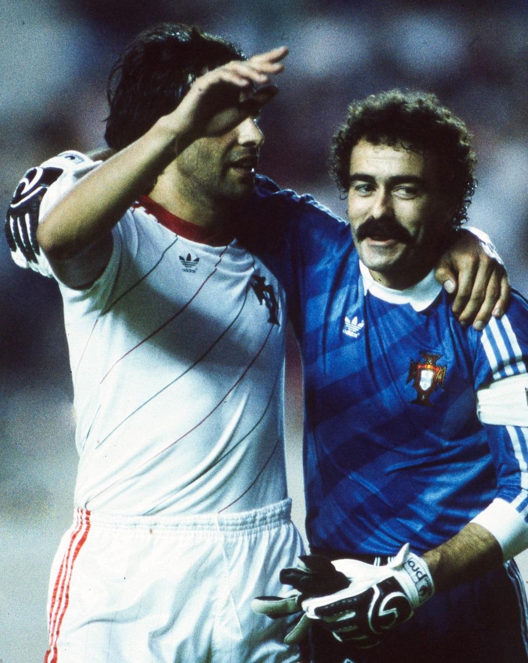 idokapszula_1984_franciaorszagi_labdarugo_europa-bajnoksag_csoportkorok_portugalia_romania_lima_pereira_manuel_bento.jpg