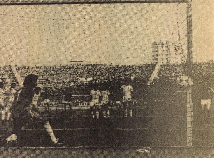 idokapszula_1984_franciaorszagi_labdarugo_europa-bajnoksag_elodontok_es_a_donto_franciaorszag_portugalia_domergue_bento.jpg