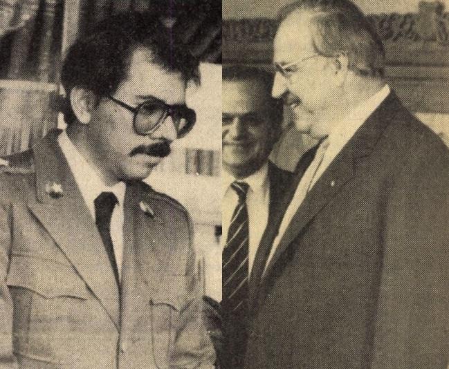idokapszula_1984_franciaorszagi_labdarugo_europa-bajnoksag_elodontok_es_a_donto_headlines_daniel_ortega_helmut_kohl.jpg