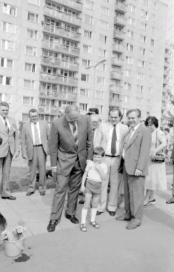 idokapszula_1984_franciaorszagi_labdarugo_europa-bajnoksag_elodontok_es_a_donto_helmut_kohl_debrecen.jpg