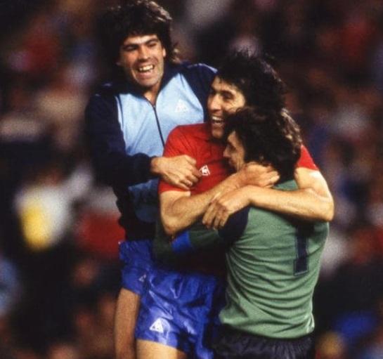 idokapszula_1984_franciaorszagi_labdarugo_europa-bajnoksag_elodontok_es_a_donto_spanyolorszag_dania_sarabia_arconada.jpg
