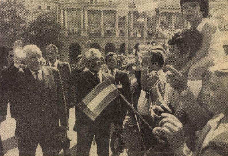idokapszula_nb_i_1981_82_tavaszi_zaras_tabellaparade_kadar_janos_erich_honecker.jpg