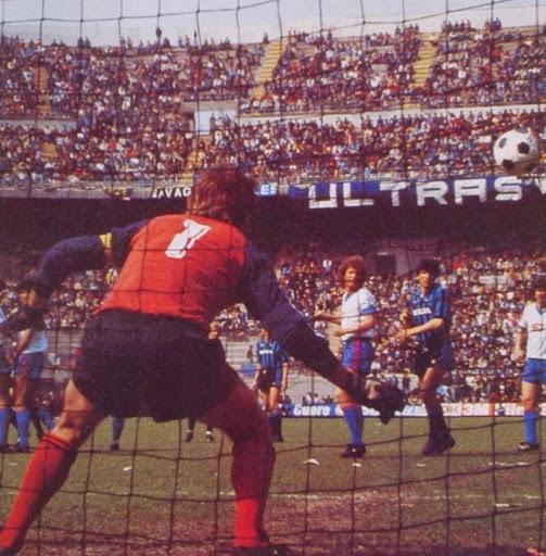 idokapszula_nb_i_1983_84_27_fordulo_olasz_bajnoksag_inter_catania_alessandro_altobelli.jpg