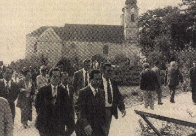 idokapszula_nb_i_1983_84_5_fordulo_vendegek_tihanyban.jpg