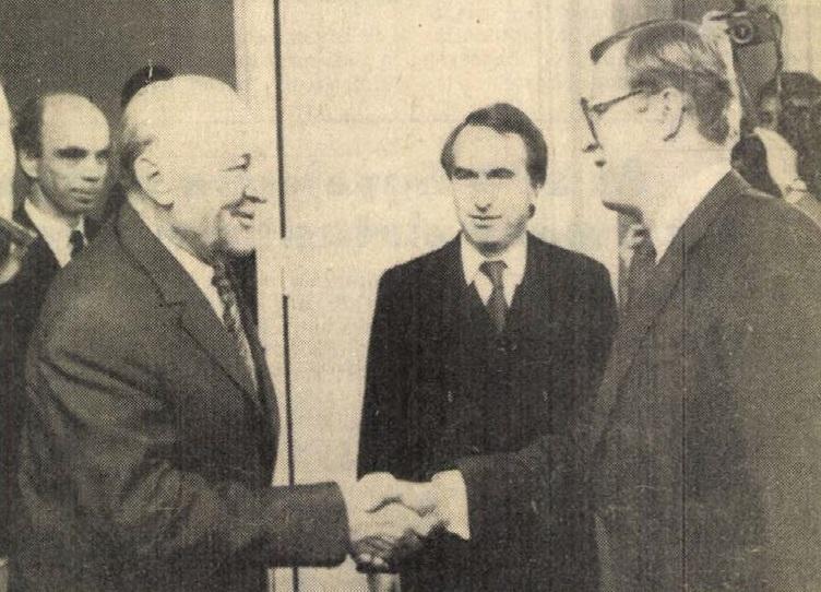 idokapszula_nb_i_1983_84_7_fordulo_kadar_janos_kalevi_sorsa.jpg