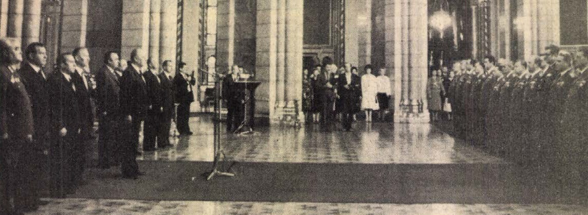 idokapszula_nb_i_1983_84_8_fordulo_fegyveres_erok_napja_parlament.jpg
