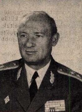 idokapszula_nb_i_1983_84_8_fordulo_karpati_ferenc_altabornagy.jpg