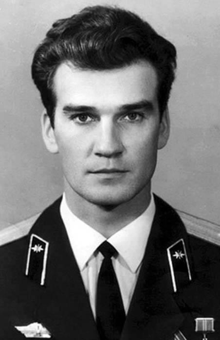 idokapszula_nb_i_1983_84_klubcsapataink_nemzetkozi_kupaszereplese_sztanyiszlav_petrov.jpg