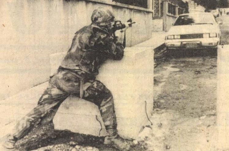idokapszula_nb_i_1983_84_oszi_zaras_merlegen_a_felsohaz_amerikai_tengereszgyalogos_bejrutban.jpg