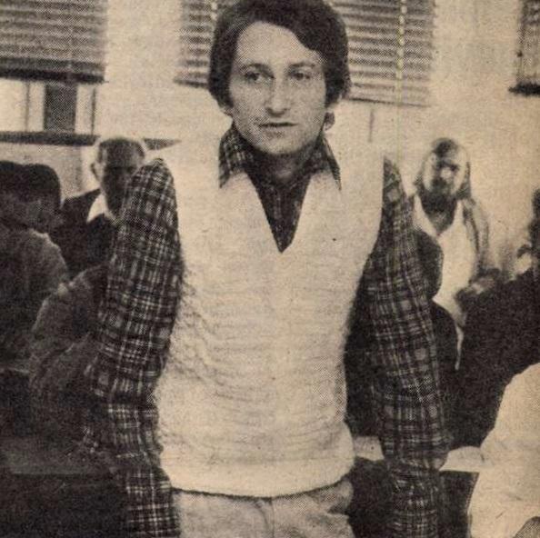 idokapszula_nb_i_1983_84_tavaszi_zaras_edzoi_gyorsmerleg_i_farkas_miklos_szocialista_brigadvezeto.jpg