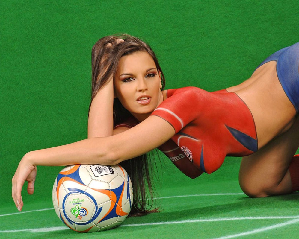 eridubet-football-girl-2.jpg