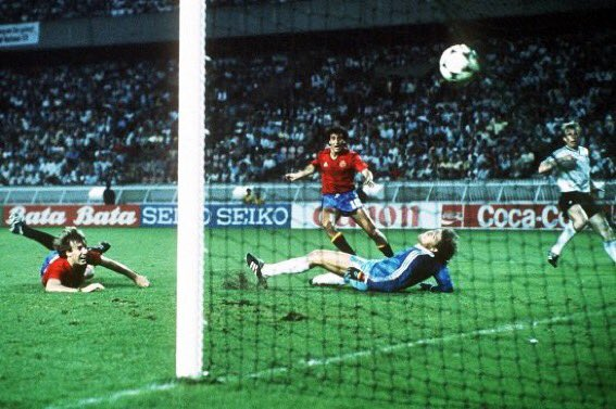 idokapszula_1984_franciaorszagi_labdarugo_europa-bajnoksag_csoportkorok_spanyolorszag_nszk_maceda.jpg