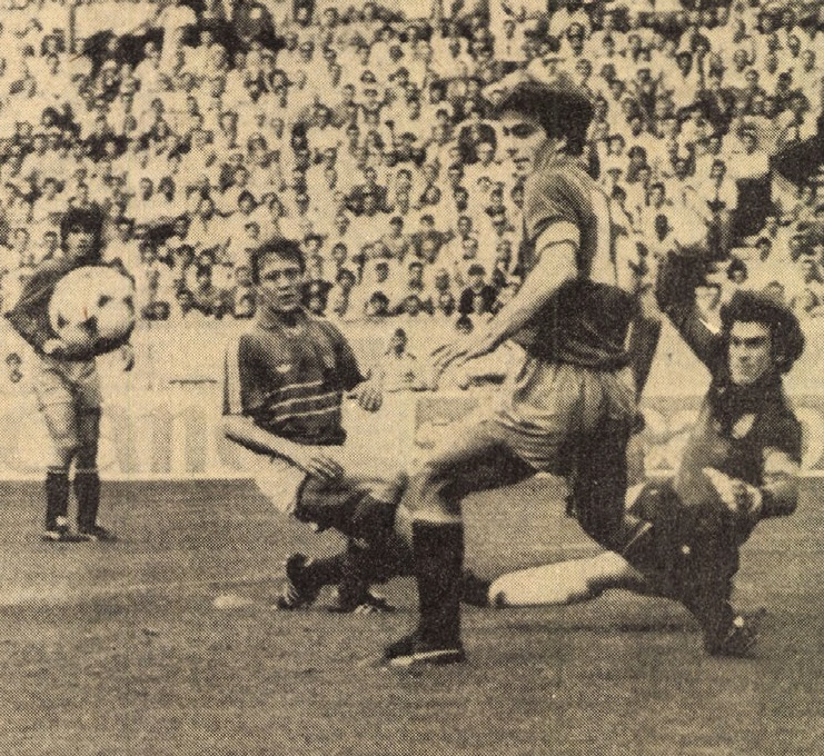 idokapszula_1984_franciaorszagi_labdarugo_europa-bajnoksag_elodontok_es_a_donto_franciaorszag_spanyolorszag_arconada.jpg