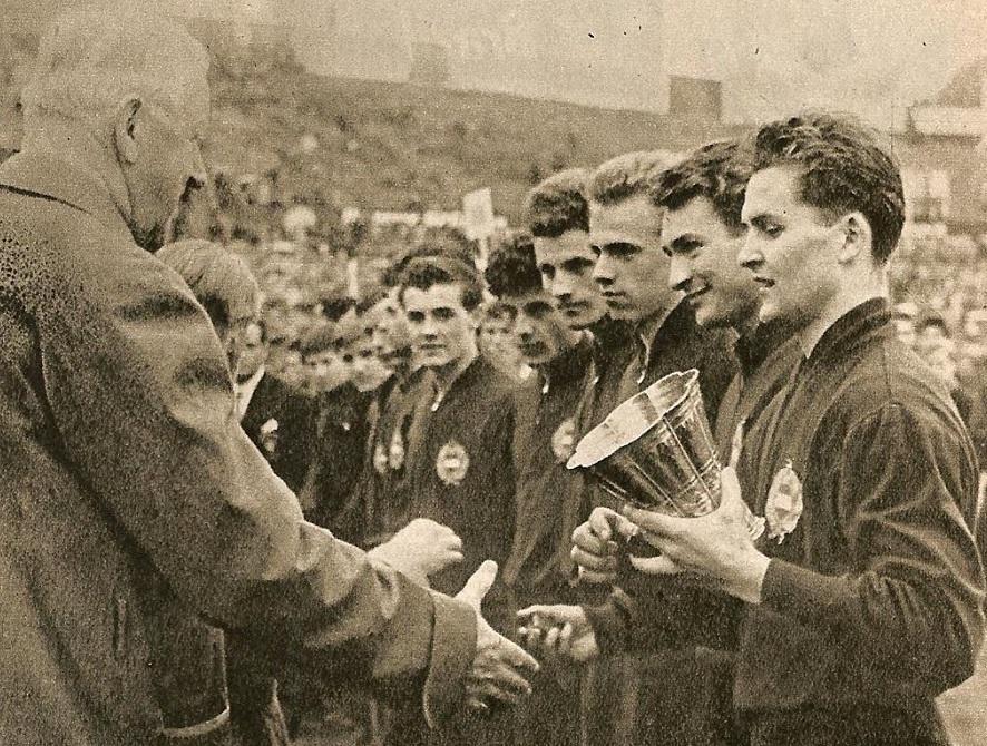 idokapszula_az_1984-s_ifjusagi_labdarugo_europa_bajnoksag_1960_ihasz_kalman.jpg