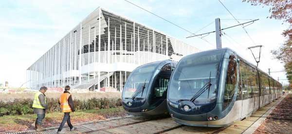 nouveau-stade-bordeaux-tram-station.jpg