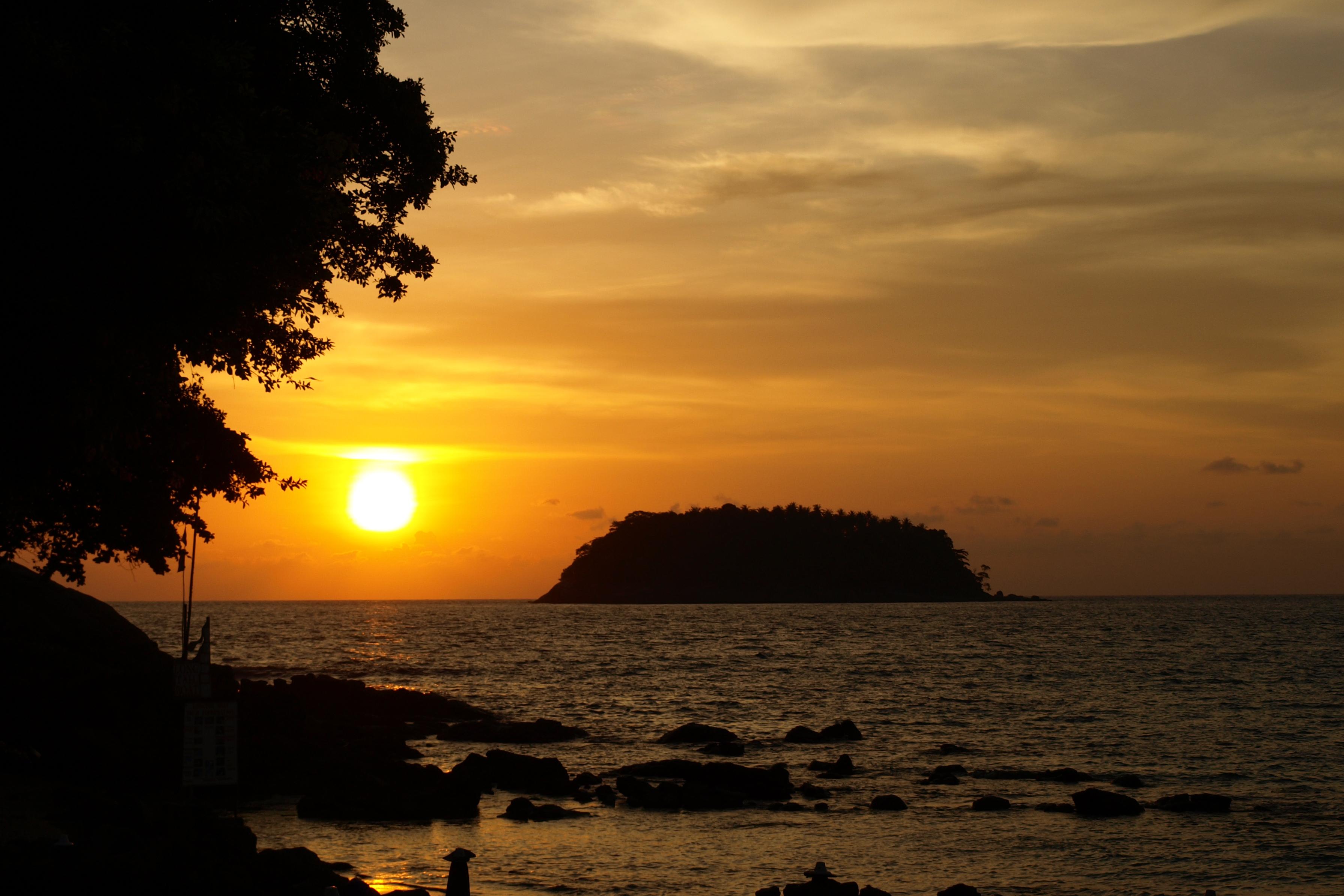 Thaiföldi naplemente Phuketen
