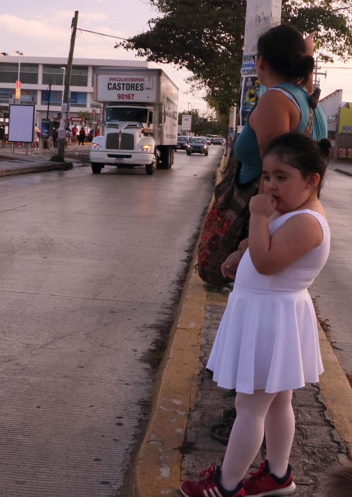 A mexikóiak átvették a világelső helyet a fiatalkori elhízásban. Ettől nem függetlenül, itt isszák a legtöbbet a Coca Cola Company termékeiből is, naponta és fejenként több, mint egy litert.