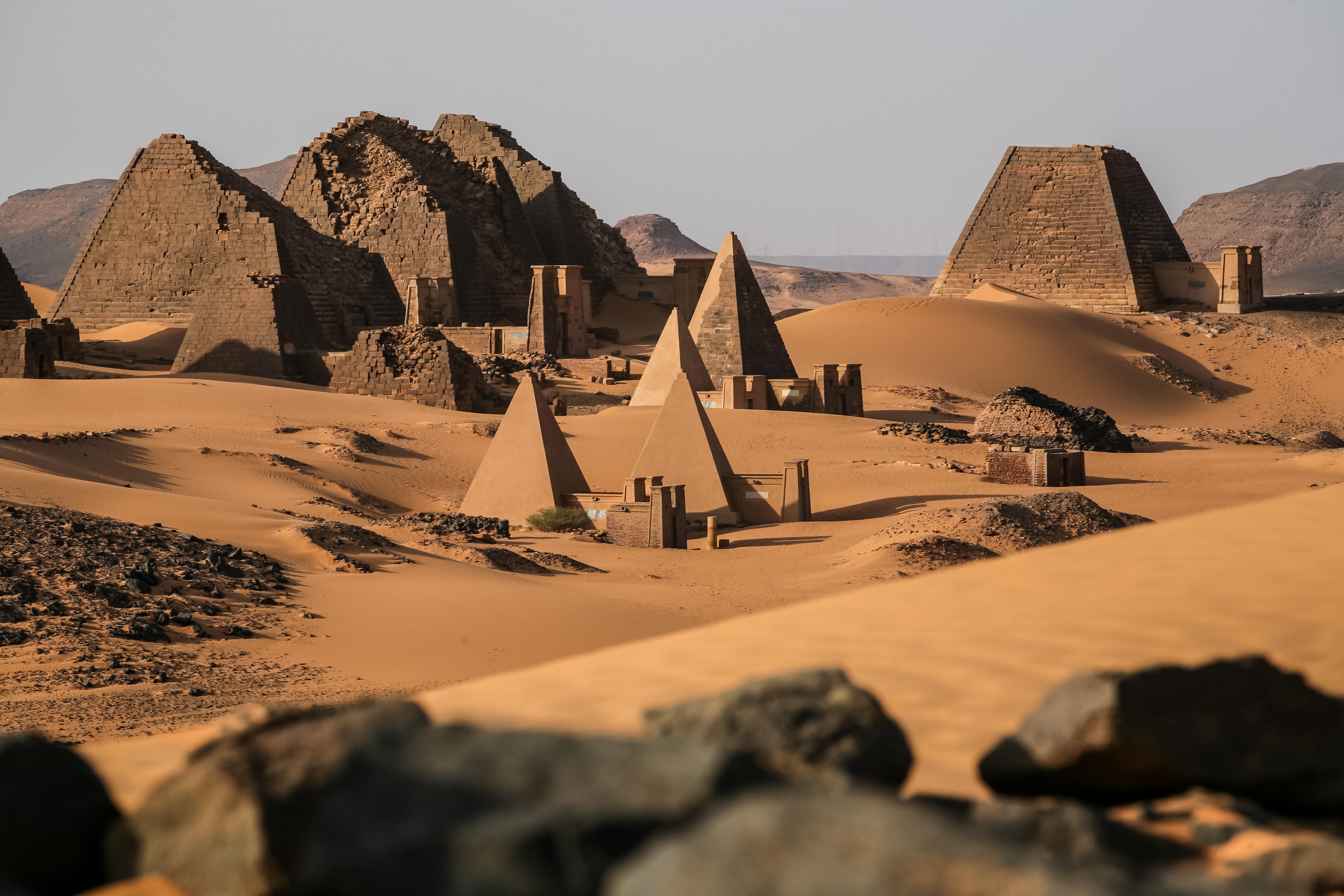 13_nubiai_piramisok.jpg