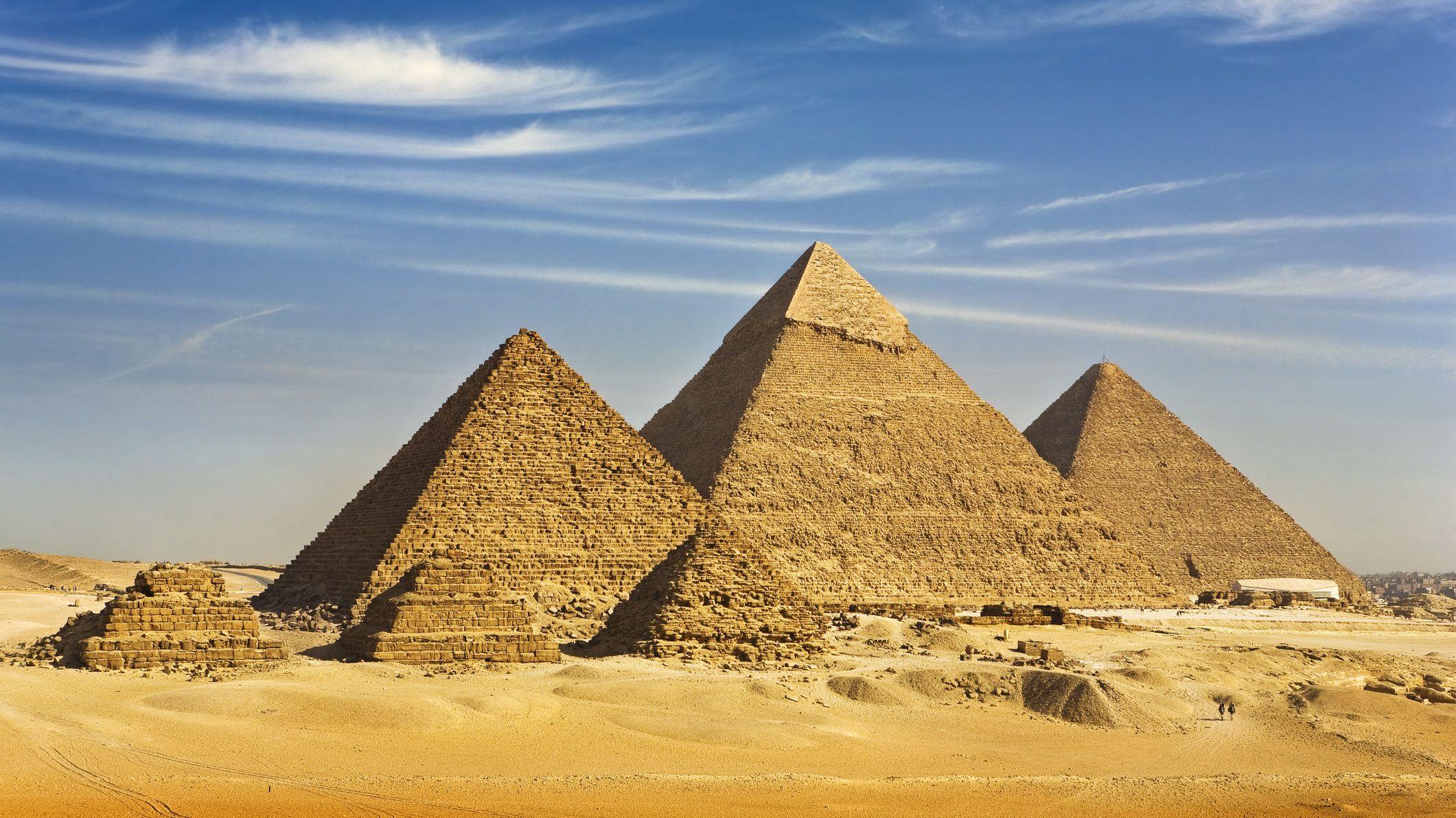 15_gizai_piramisok.jpg