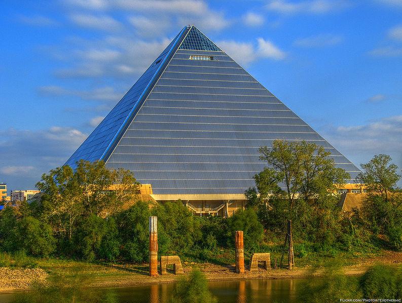 19_piramis_arena_usa.jpg
