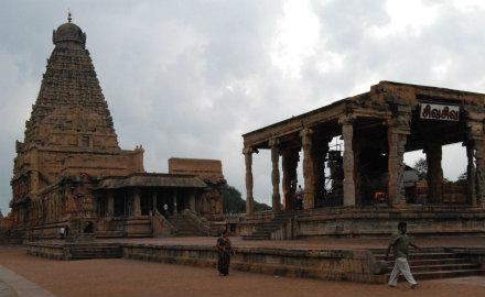 6_a_sivanak_szentelt_tandzsavuri_brihadisvara_templom.jpg