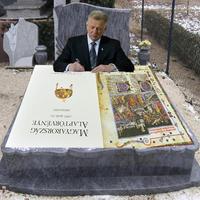 Orbán kinyírta SkiccPalit